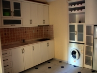 twin-apart-kitchen2