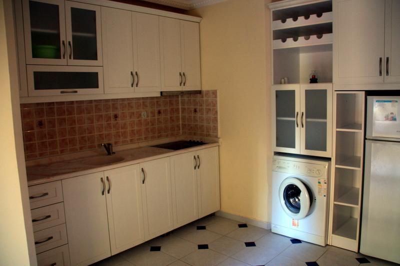 twin-apart-kitchen2