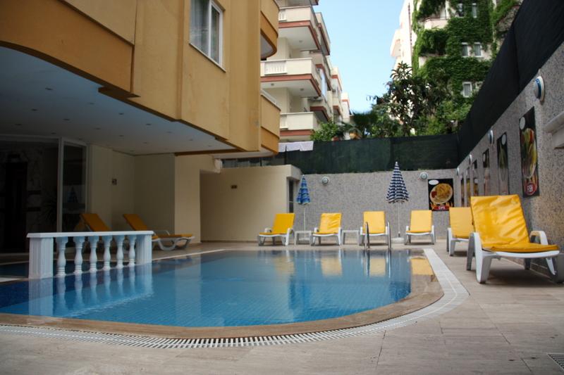 twin-apart-pool-2