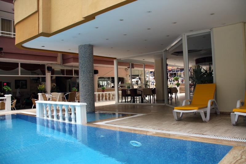 twin-apart-pool-3